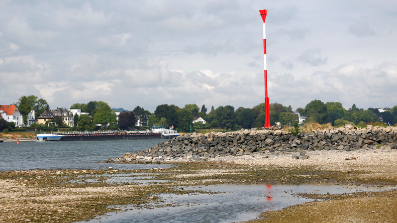 Wasser im Rhein wird knapp – Tiefststand von 2003 unterschritten