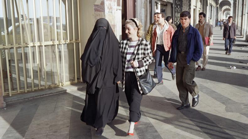 Algerien verbannt Burkas vom Arbeitsplatz