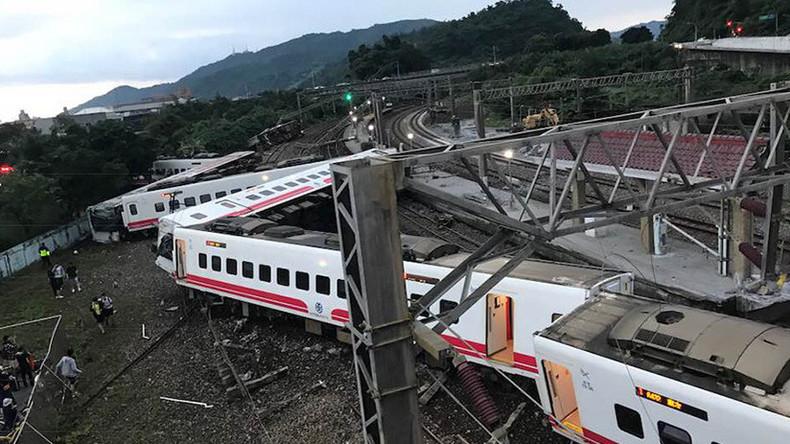 Mindestens 17 Tote und 100 Verletzte bei Zugunglück in Taiwan