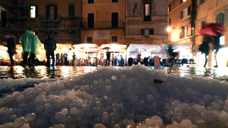 Hagelsturm in Rom richtet Verkehrschaos an