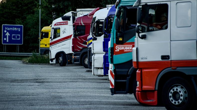 Polizei stoppt Kühlwagen mit Flüchtlingen im Saarland