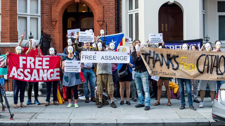 Rafael Correa: Ecuador will Assange zum Verlassen der Botschaft bewegen (Video)