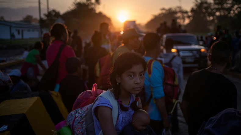 USA: Migranten-Karawane als politischer Spielball (Video)