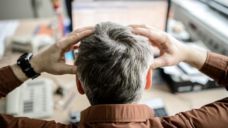 Stress und Überstunden: Viele Beschäftigte leiden unter Belastungen