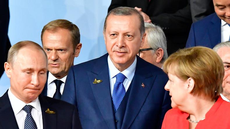 Istanbul: Syrien-Gipfel soll Weg für neue Konstitution ebnen