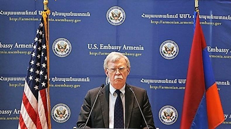 John Boltons Kaukasus-Reise: Das Buhlen um Armenien
