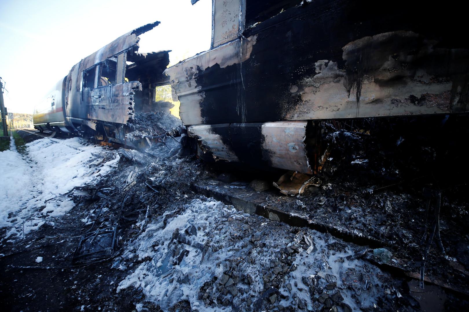 ICE-Wagon völlig ausgebrannt: Bahn-Schnellstrecke Frankfurt-Köln gesperrt