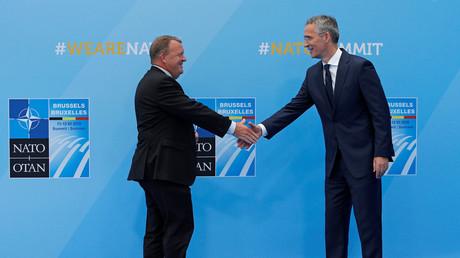 Der dänische Premierminister Lars Lokke Rasmussen und NATO-Generalsekretär Jens Stoltenberg, Brüssel, Belgien, 11. Juli 2018.