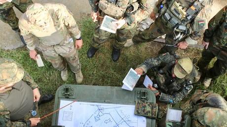 Symbolbild: Bundeswehrsoldaten bei einem NATO-Manöver in Grünberg, August 2018