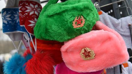Sowjet-Symbole als touristisches Mitbringsel zeugen von der Verwandlung, die Russland während des letzten Vierteljahrhunderts durchgemacht hat.