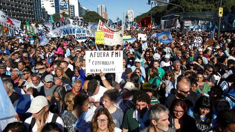 Immer wieder kommt es in Argentinien zu Massenprotesten gegen die Kooperation mit dem IWF. (Buenos Aires, 25. Mai 2018)