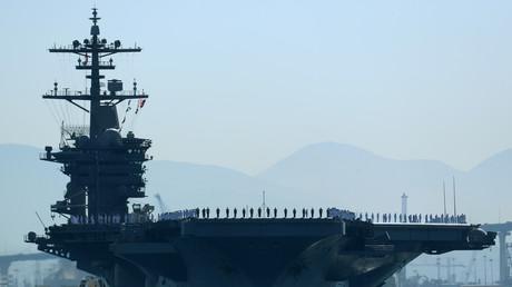 Flugzeugträger USS Theodore Roosevelt, verlässt den Hafen von San Diego mit dem Ziel Persischer Golf, USA, 6. Oktober 2017.