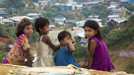 Kinder am Randes eines Flüchtlingslagers in Bangladesch. Laut UN-Schätzungen wird rund 80 Prozent des Bevölkerungswachstums in den Industrieländern bis zum Jahr 2050 auf die Migration entfallen.
