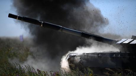 Auch an einem Nachbau des russischen T-72-Panzers werden im Emsland Waffen getestet. (Archivbild)
