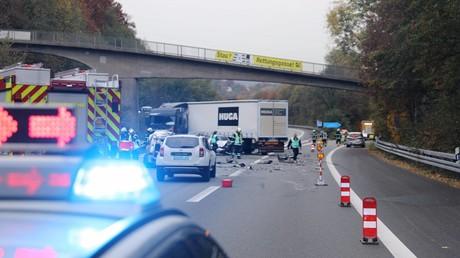 Gaffer filmt bei tödlichem Straßenbahnunfall – 2.000 Euro Geldstrafe (Symbolbild)