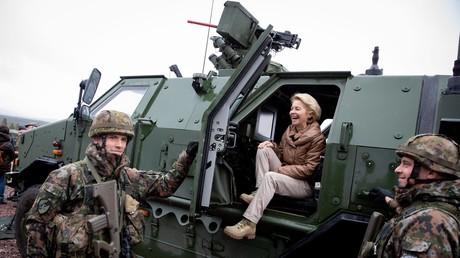 Stolz könne die Bundeswehr sein, lobte Verteidigungsministerin zu Besuch beim größten NATO-Manöver seit Ende des Kalten Krieges in Norwegen.