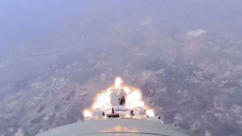 Außenbord-Perspektive: Roskosmos veröffentlicht Video von Sojus-Raketen-Havarie