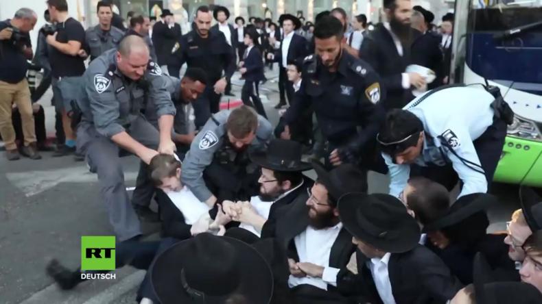 Israel: 13 ultra-orthodoxe Juden in Bnei Brak wegen Protest gegen Wehrpflicht verhaftet