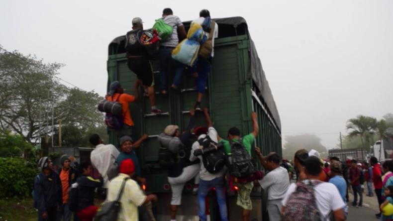 All der Warnungen zum Trotz: Viele Migranten ziehen unbeirrt weiter in Richtung US-Grenze