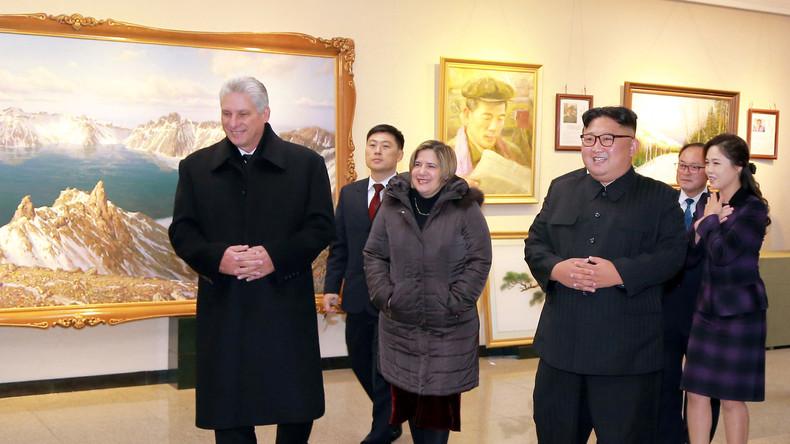 Kim Jong-un bekommt sein erstes offizielles Porträt gemalt