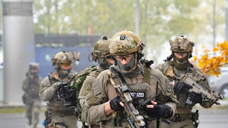 Spezialeinheiten aus ganz Deutschland üben in Hamburg Terror-Lage