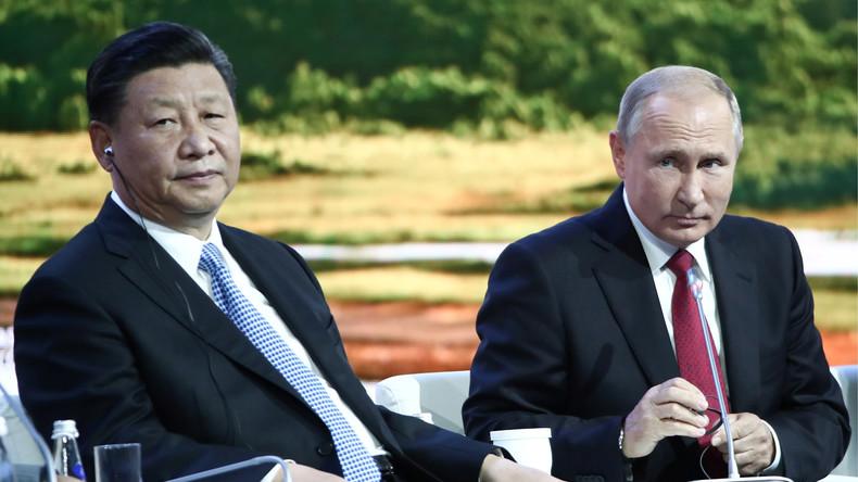 """USA: """"Super-Wahleinmischer China"""" läuft """"Altmeister Putin"""" den Rang ab (Video)"""
