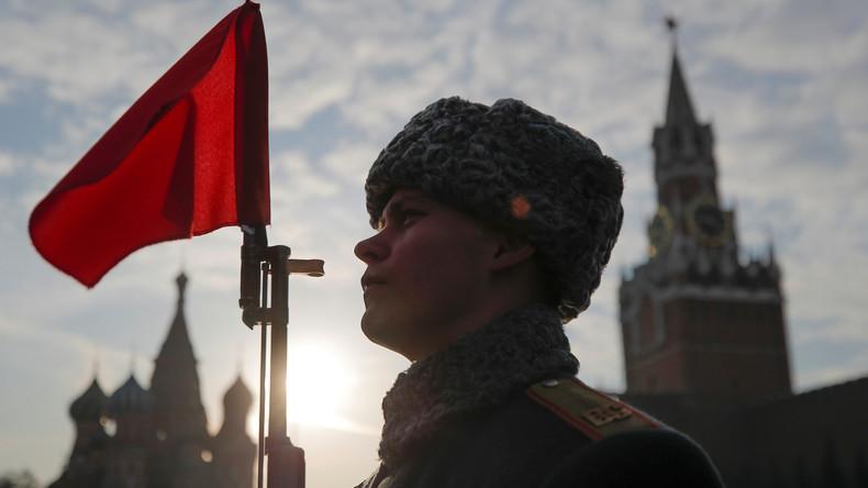 LIVE: Militärparade auf dem Roten Platz in Moskau in Gedenken an historische Parade von 1941