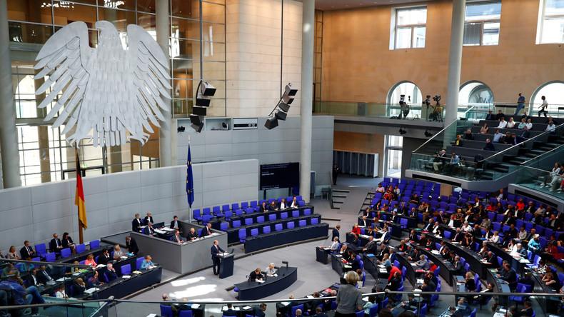 LIVE: 60. Sitzung des Bundestags – Lebensverhältnisse in Ost und West, Fragestunde, Cum-Ex-Skandal
