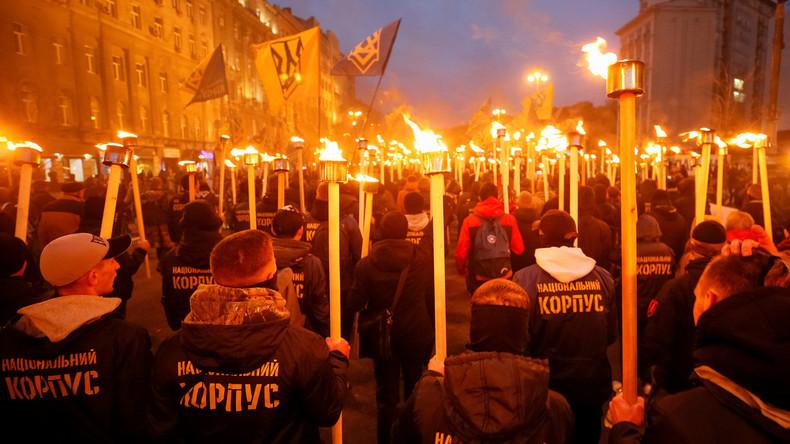 FBI: Ukrainisches Neonazi-Bataillon Asow hat Extremisten in den USA trainiert