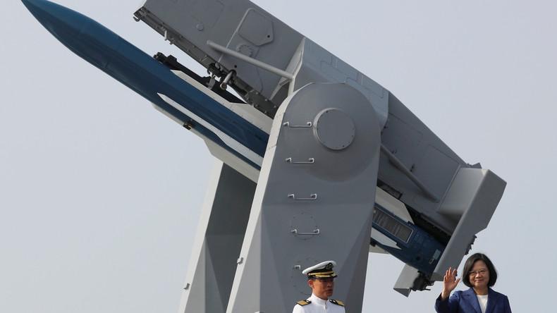 """Taiwans Präsidentin weiht zwei ehemalige US-Fregatten ein: """"Nicht einen Schritt weichen"""""""
