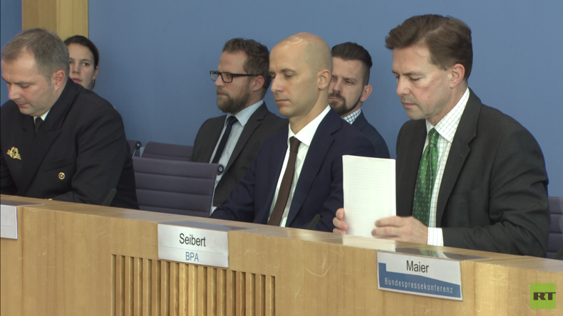 Bundespressekonferenz zu geleasten Heron-Drohnen: Hat von der Leyen den Bundestag getäuscht?