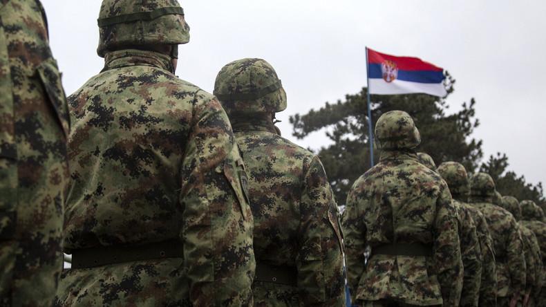 Serbien erinnert mit Armeemanöver an das Weltkriegsende