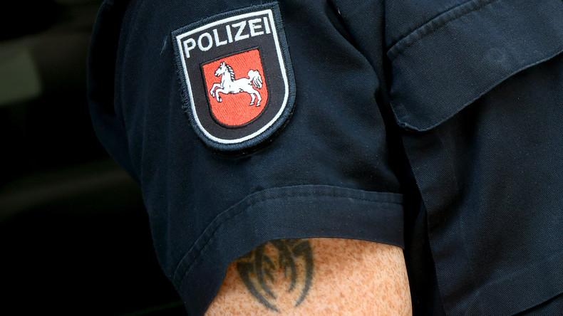 Gericht: Bayerischer Polizist darf sich nicht tätowieren lassen