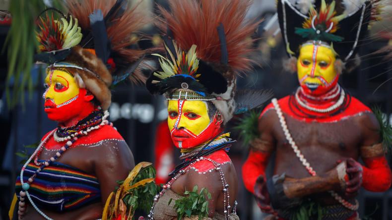 APEC-Gipfel in Papua-Neuguinea: Traditionelle Tänzer begrüßen chinesischen Präsidenten Xi Jinping