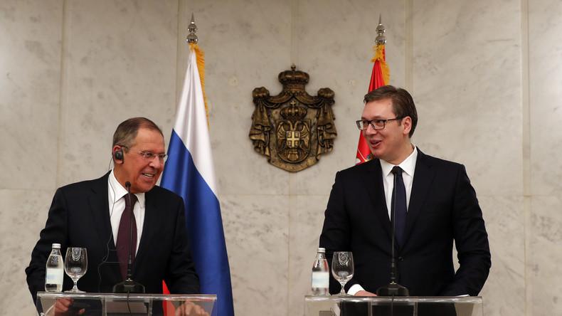"""Lawrow antwortet auf Fragen zu russisch-serbischen Beziehungen: """"Gemeinsame kulturelle Wurzeln"""""""