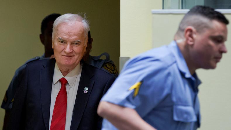 """""""Lieber Gruß vom Opa Ratko"""" – Kriegsverbrecher Mladić live aus der Zelle ins serbische Fernsehen"""