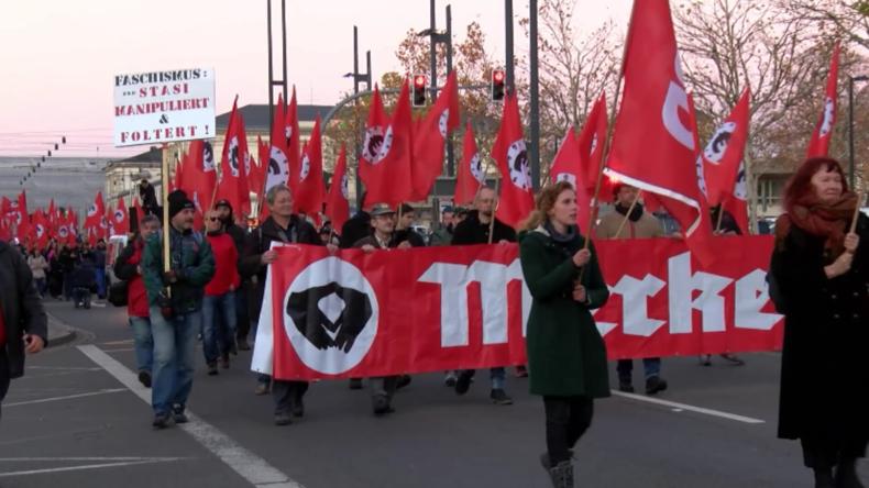 Über 1.200 Menschen nehmen an Protesten teil, während Merkel Chemnitz besucht