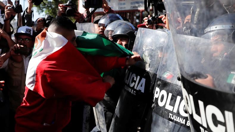 """""""Nicht noch mehr Karawanen!"""": Hunderte Mexikaner protestieren gegen Migranten aus Mittelamerika"""