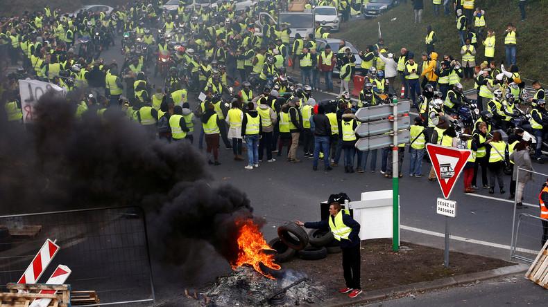 Eine Tote und 400 Verletzte bei Protesten in Frankreich - Regierung bleibt bei Steuererhöhungen