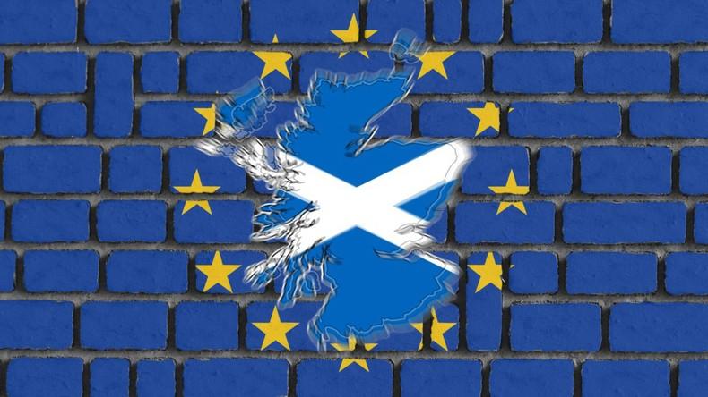 Brexit: Befürworter und Gegner des EU-Austritts machen Front gegen Einigungsvertrag