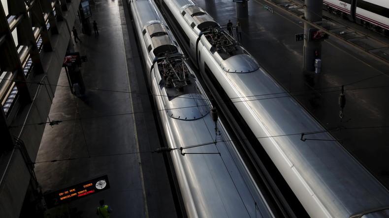 Zug bei Barcelona entgleist: Ein Toter und sechs Verletzte