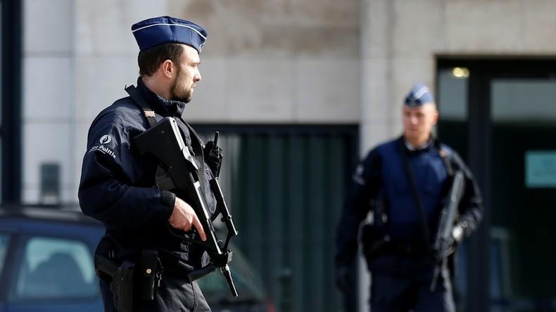 Messerstecher verletzt Polizisten vor Polizeistation in Brüssel – Angreifer unschädlich gemacht