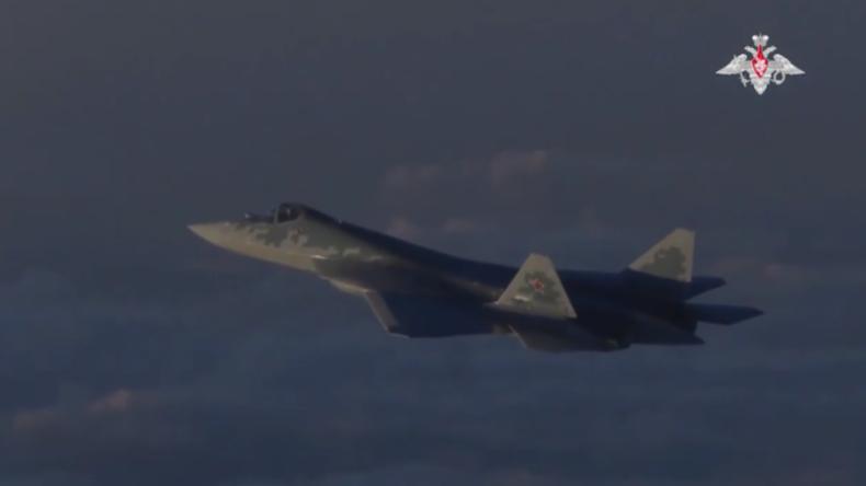 """""""Unter Bedingungen einer realen Kampfsituation"""": Video zeigt neuesten Kampfjet Russlands über Syrien"""