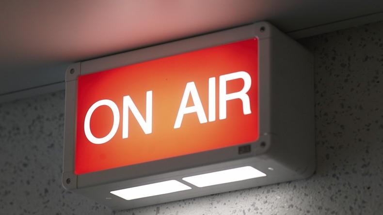 Nach 44 Jahren mit nur einer einzigen Zuhörerin – Britischer Moderator bekommt eigene BBC-Show