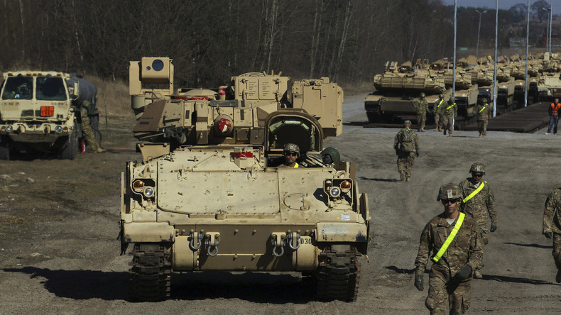 """""""Offensichtliche Bedrohung"""": Moskau warnt Polen davor, permanente US-Militärbasis aufrechtzuerhalten"""
