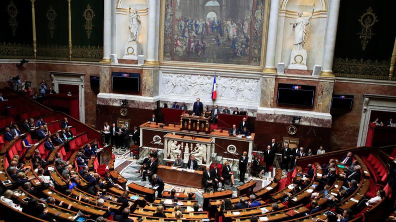 """""""RT im Visier"""" - Frankreich beschließt umstrittenes Gesetz gegen """"Fake News"""""""