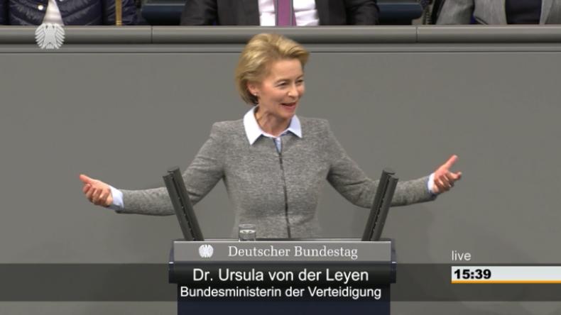 """""""Nach Jahren des Schrumpfens"""" endlich Trendwende: Von der Leyen höchst erfreut über Wehretaterhöhung"""