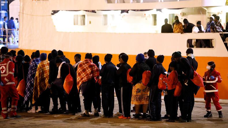 Mehr als 200 Migranten landen auf Sizilien