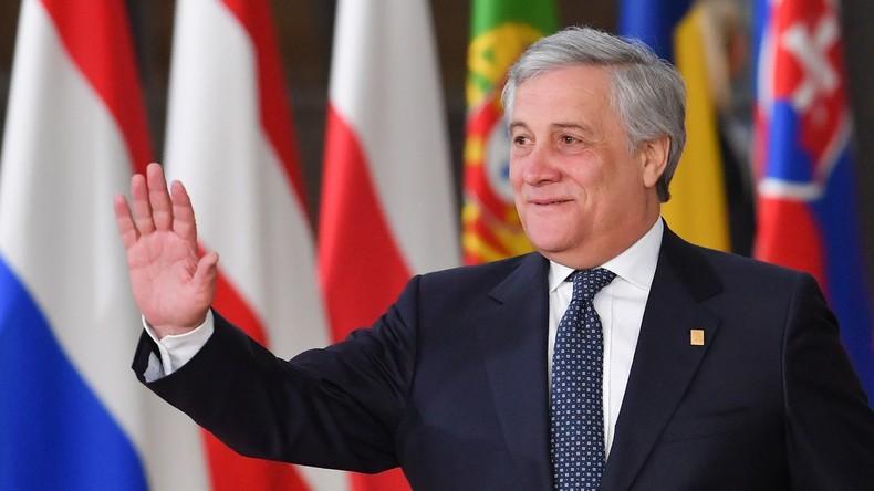 EU-Parlamentspräsident Antonio Tajani setzt mit Make-up Zeichen gegen Gewalt