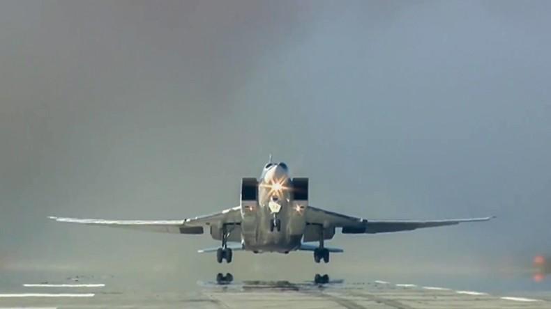Russlands Luftwaffe zerstört Stellungen von Terroristen nach C-Waffen-Angriff auf Aleppo